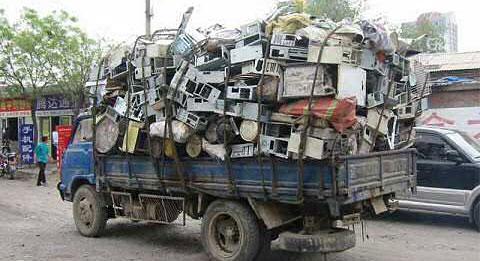 Você sabe o que fazer com seu lixo eletrônico?