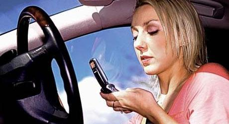 Celular no trânsito