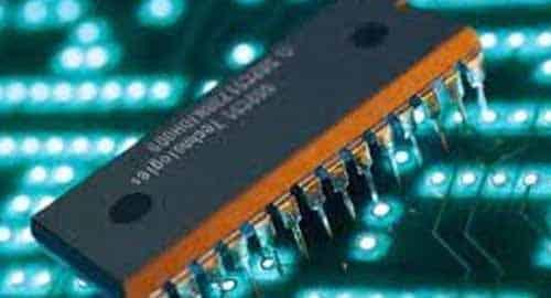 Uma das necessidades é atrair para o Brasil fabricantes de semicondutores e de telas.