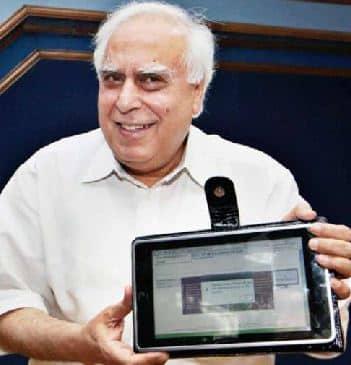 5e8e453a90f Governo indiano vai lançar tablet de US  35 em outubro