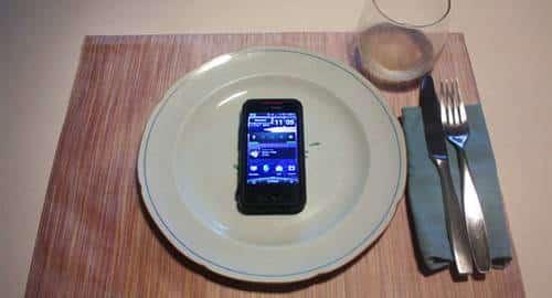 Smartphone no jantar