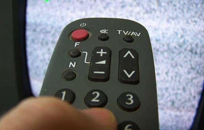 Nenhum brasileiro ficará sem TV digital, promete governo