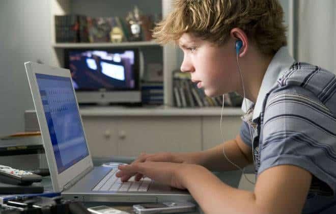 No Brasil, 95% dos jovens internautas se dizem viciados em tecnologia; faça o teste