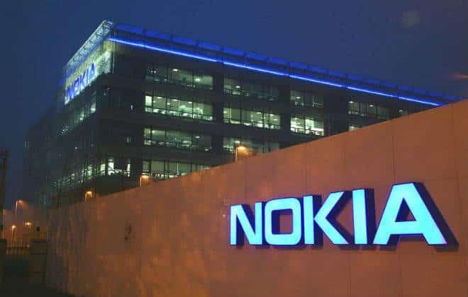 """Rumor: Nokia prepara """"phablet"""" quad-core para este ano"""
