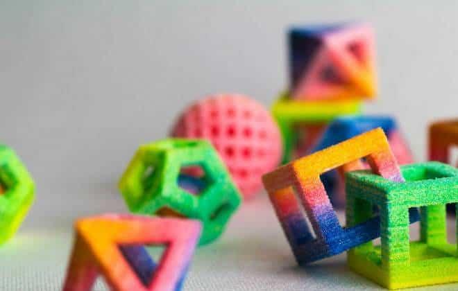 Impressora 3D: máquina imprime balas e chocolate