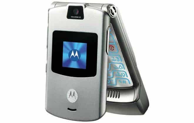 Motorola V3 completa 10 anos, relembre as versões do aparelho