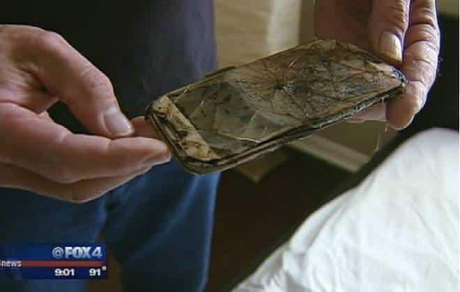 Galaxy S4 queima embaixo de travesseiro de garota de 13 anos