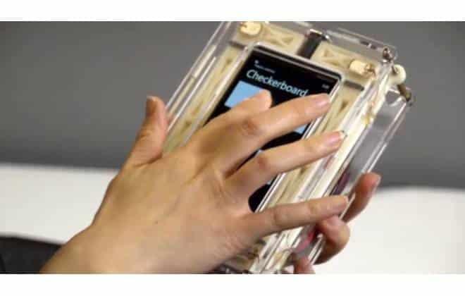 Microsoft cria touchscreen que dá a sensação física de cliques