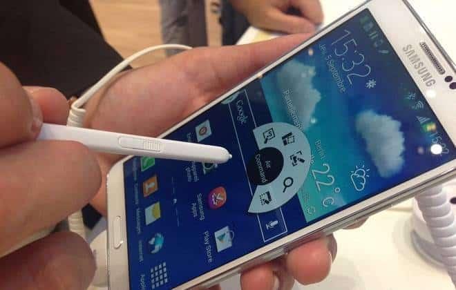 Imagens mostram Galaxy Note 4 com acabamento de metal e couro