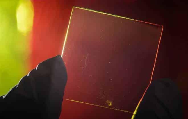 Pesquisadores criam painel solar transparente