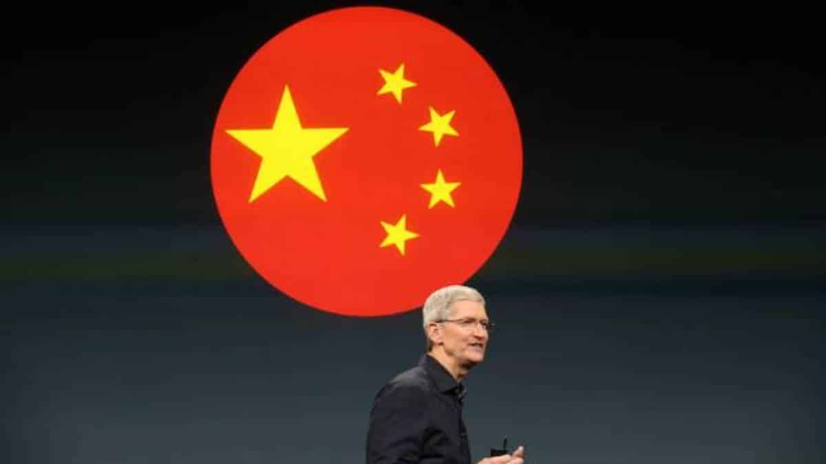 Tim Cook, China, Apple