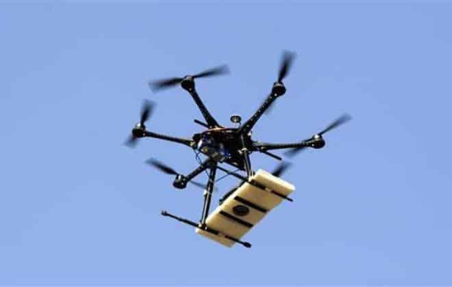Drone é flagrado entregando drogas em presídio dos EUA
