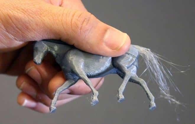 Pesquisadores criam cabelo com impressora 3D; confira