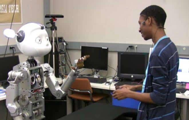 Pesquisadores criam robô que fala como um humano