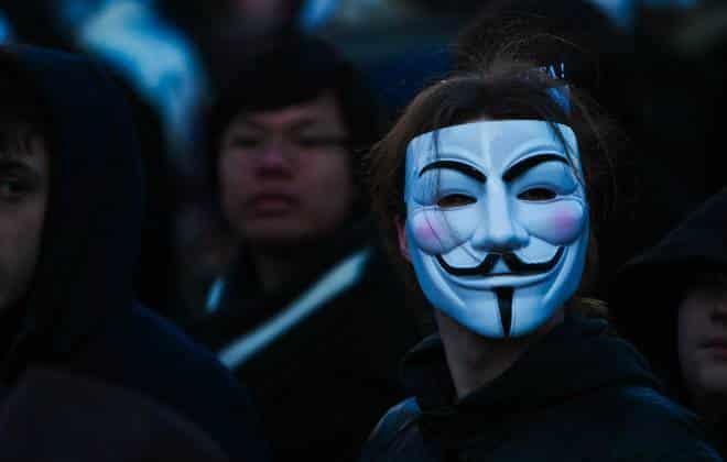 Anonymous ameaça senadores que votarem a favor do limite na internet fixa 1