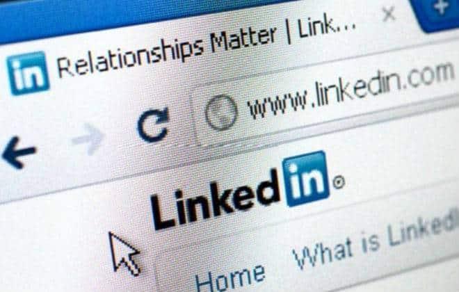 Mentir no curr�culo e em redes sociais pode dar cadeia
