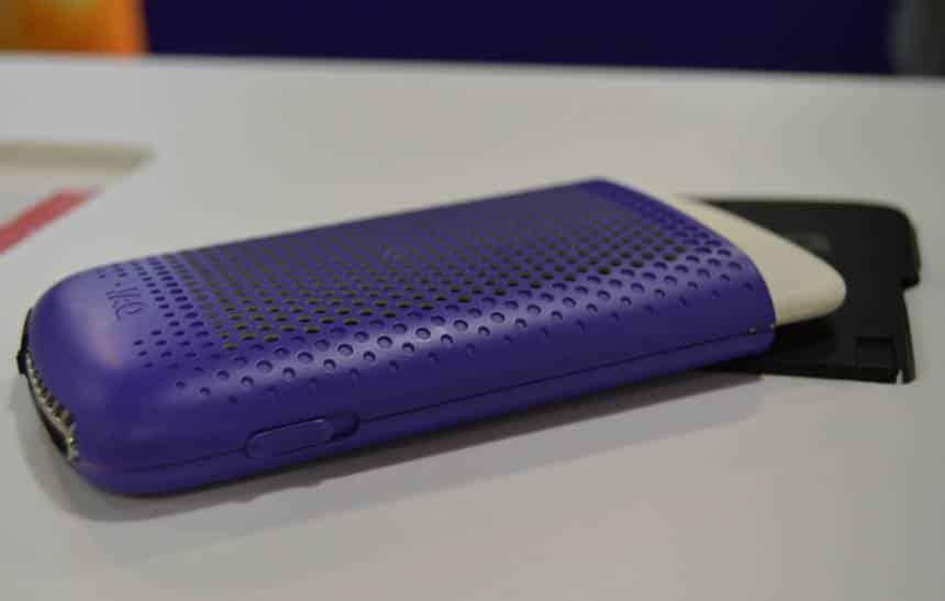 Bateria portátil transforma água e sal em hidrogênio para carregar seu celular