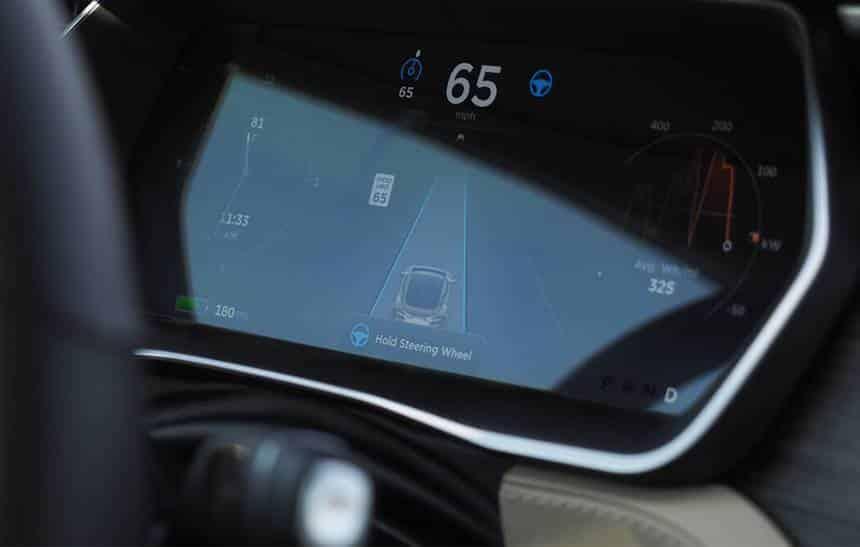 Veja como funciona o piloto automático para carros da Tesla