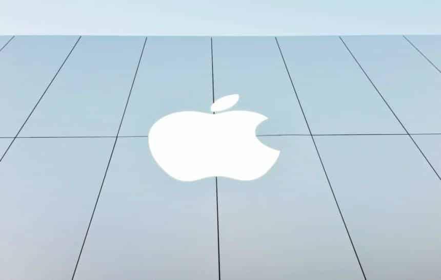 Apple est� sendo conservadora com encomendas para produ��o, diz fornecedora