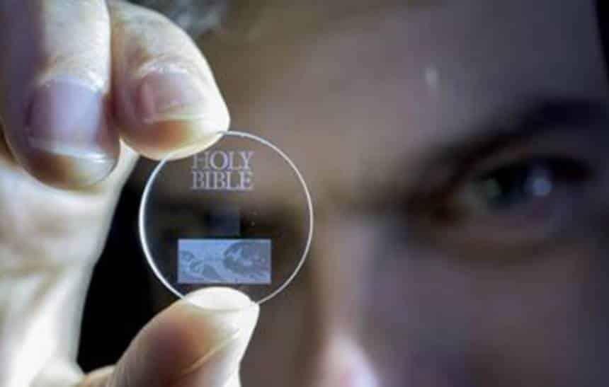 Cientistas conseguem armazenar 360TB neste pequeno disco de vidro