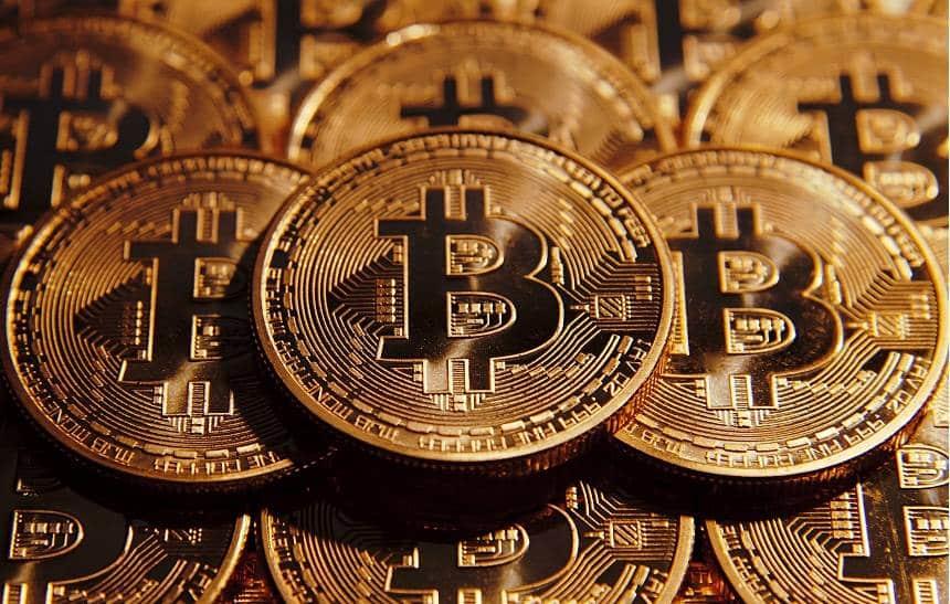 Bitcoin vale mais do que o ouro pela primeira vez na história