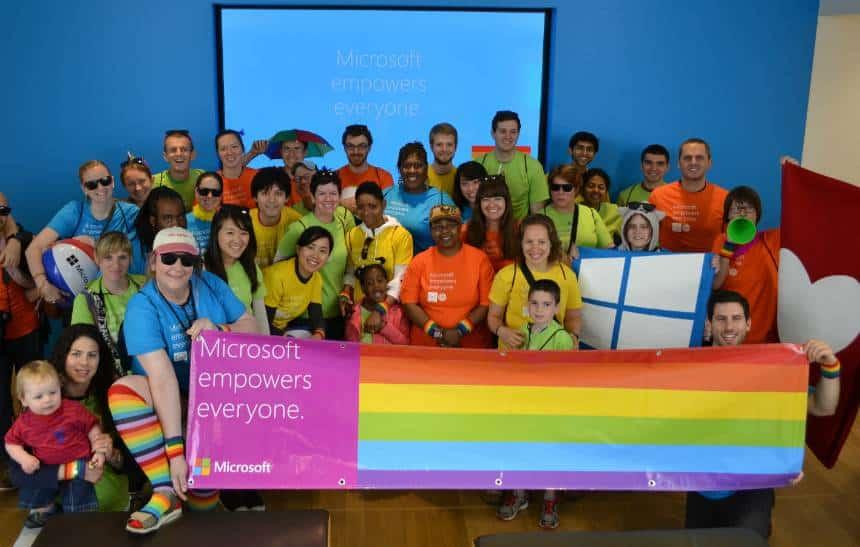 Microsoft participa da Parada Gay em SP