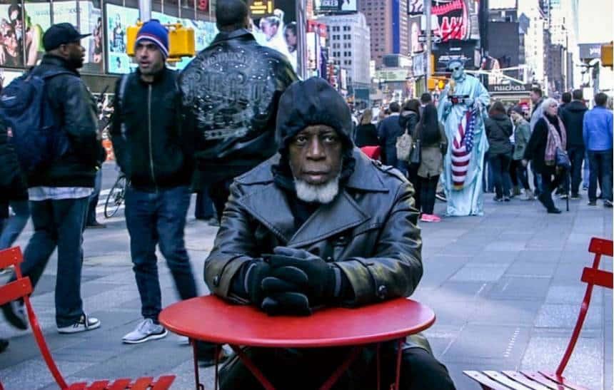 V�deo mostra rea��o de homem que ficou preso 44 anos com novas tecnologias