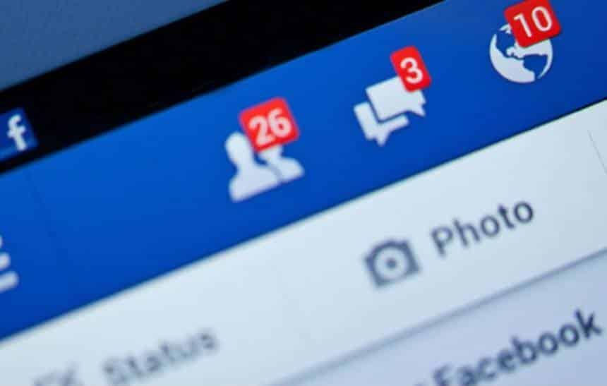 Facebook passa a priorizar posts de amigos e familiares
