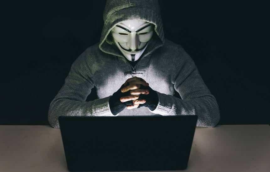 'Não se atrevam', diz Anonymous sobre limite da internet fixa