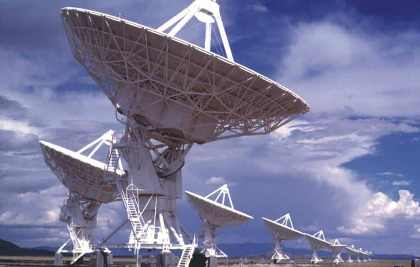 Cientistas detectam sinal de r�dio que pode vir de uma civiliza��o alien�gena
