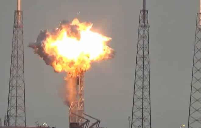 Resultado de imagem para spacex explosão foguete