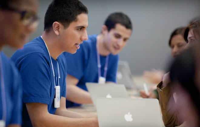 Empregados da Apple estariam roubando fotos para avaliar aparência de clientes