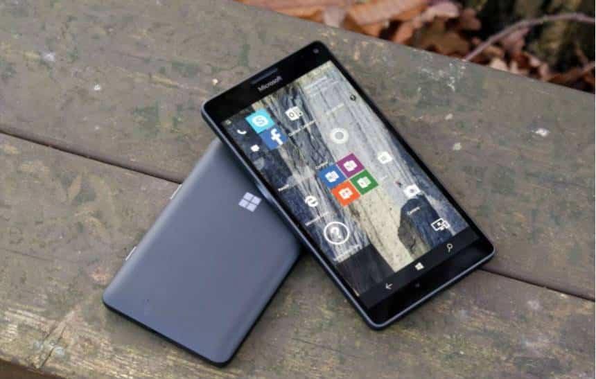 Microsoft admite que perdeu batalha nos celulares e � hora de seguir em frente