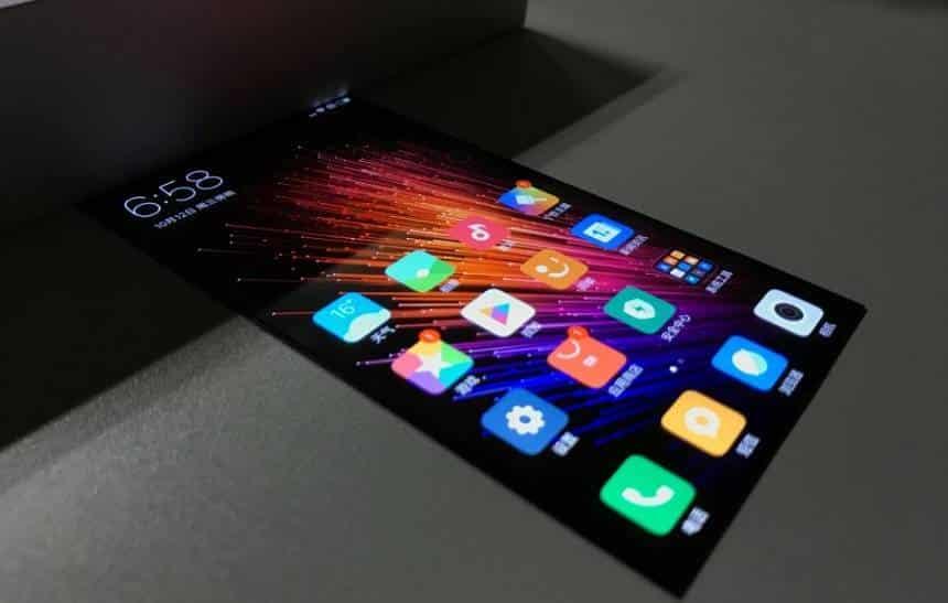 Vídeo mostra tela dobrável da Xiaomi em funcionamento