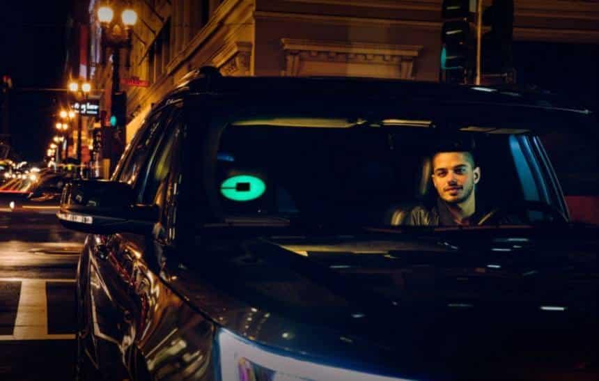 Uber desenvolve sistema para usuários reconhecerem o carro com facilidade