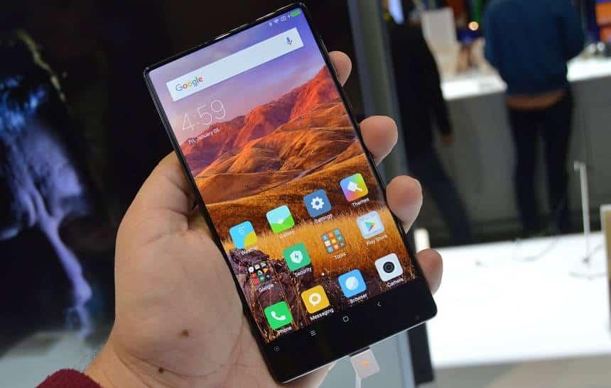 Testamos: celular da Xiaomi se destaca por não ter bordas; confira