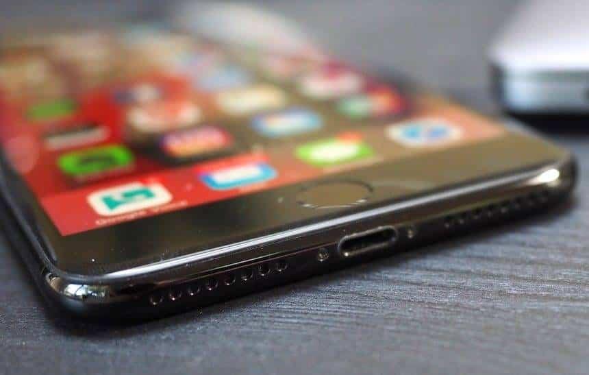 Leilão da Receita Federal tem dois iPhones 7 pelo preço de um