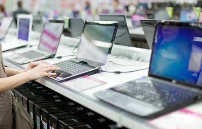 Mercado mundial de PCs completa sexto ano consecutivo em queda