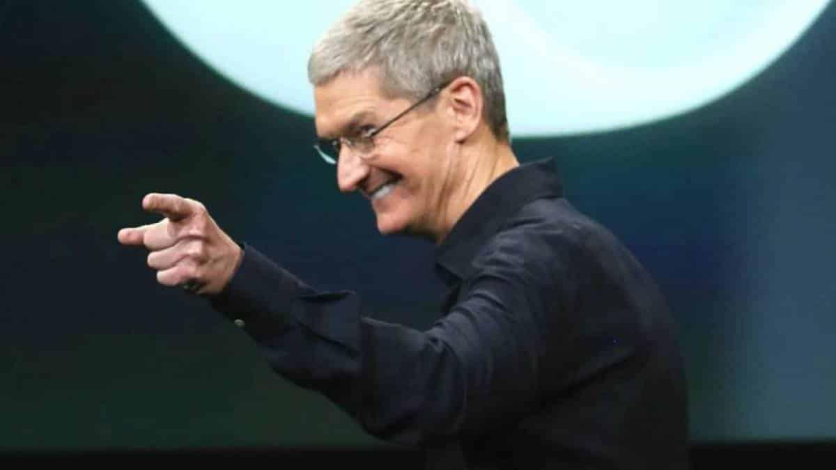 34a51472a53 Apple supera valor de mercado de US$ 1 trilhão