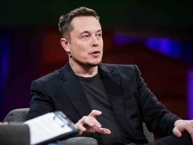 Elon Musk anuncia a demissão de 7% dos funcionários da Tesla