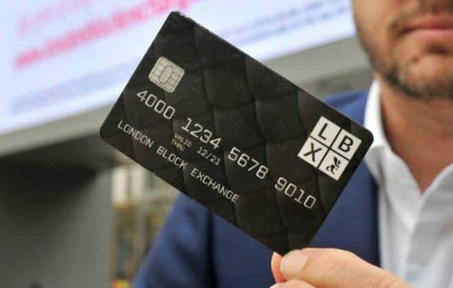 Cartão permite pagar compras com Bitcoin