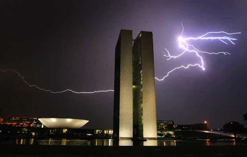 Falta de recursos pode deixar o Brasil sem previsão do tempo