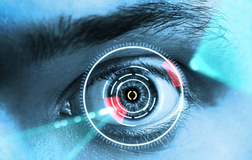 Cientistas criam lente de contato que permite emitir lasers pelos olhos