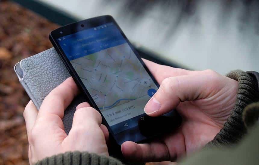 Como corrigir erros no Google Maps e no Apple Maps