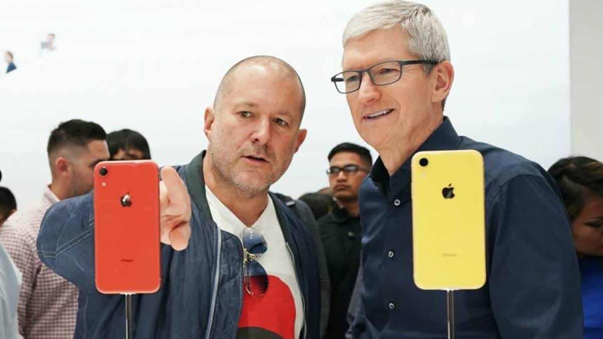 Jony Ive Tim Cook Apple iPhone XR