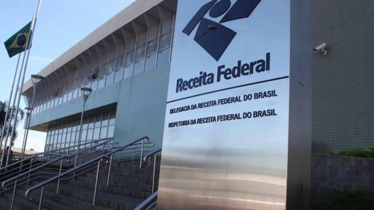 7dd7f17cf Leilão da Receita Federal tem celulares, roteadores, drones e monitores