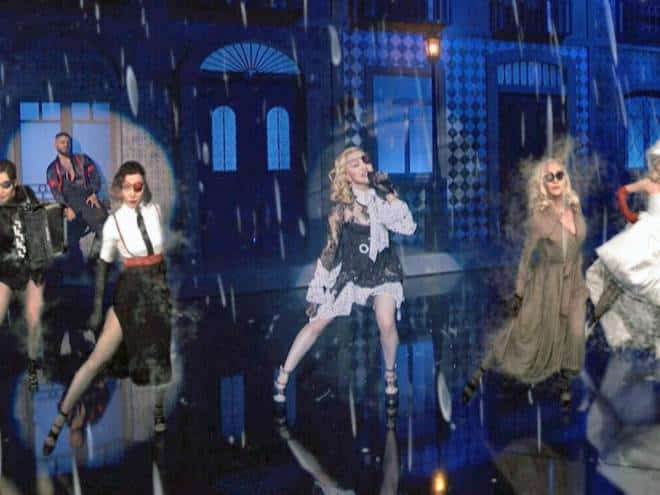 Madonna usa realidade aumentada no palco do Billboard Music Awards
