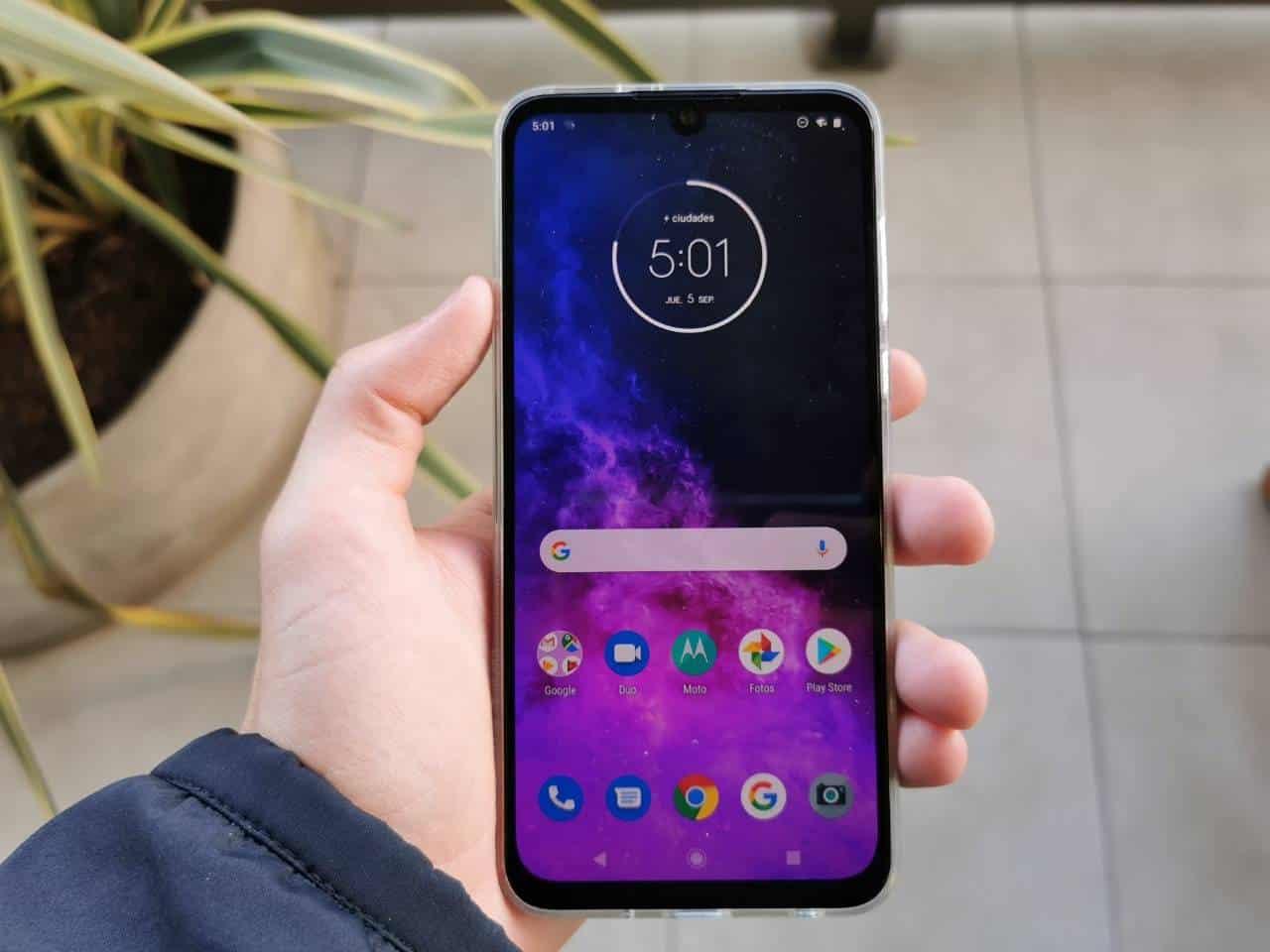 Motorola One Zoom: conheça o celular feito para amantes de