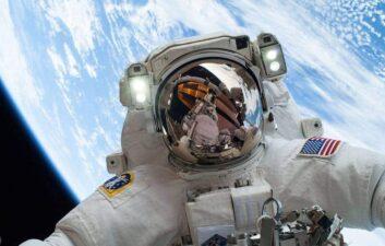 NASA video allows users to simulate spacewalks