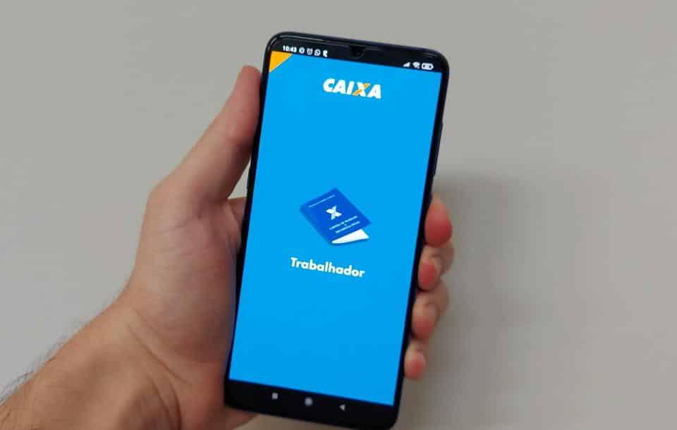 Como fazer a consulta do abono salarial pelo celular - Olhar Digital